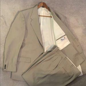 Men's Falcone 2pc Suit Size 44L